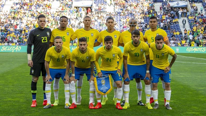 サッカーブラジル代表の集合写真